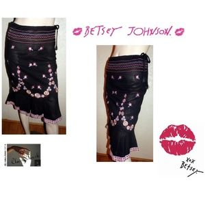 Betsey Johnson NWOT Black cotton embroidered Skirt